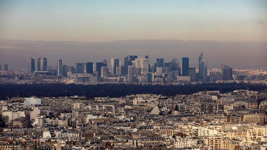 París quiere prohibir los coches de diésel en 2024 y de gasolina en 2030