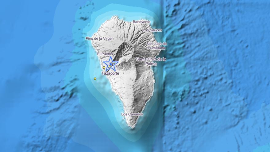 Imagen del IGN de este jueves en  la que se indica el lugar donde se han localizado los cuatro movimientos sísmicos en las últimas 48  horas. En el último templor, destacado con una estrella azul,  se ha localizado este jueves en Los Llanos de Aridane.