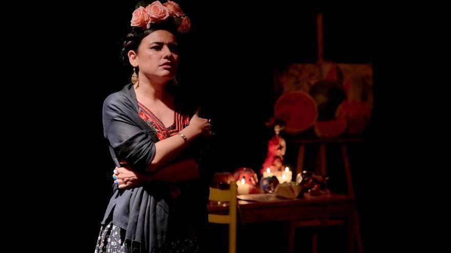 Imagen de la actuación 'Frida Kahlo, Viva la vida'