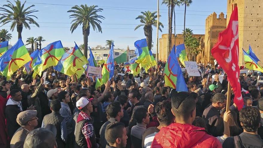 """Protesta en Rabat contra """"el sistema"""" por la muerte de un joven en Marruecos"""