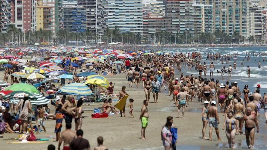Los españoles gastarán 1.010 euros en las vacaciones, un 3,4 por ciento más que en 2015