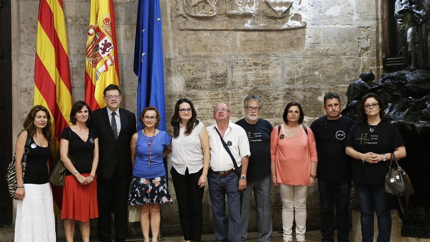 El presidente y la vicepresidenta del Consell, Ximo Puig y Mónica Oltra, reciben a representantes de AVM3J