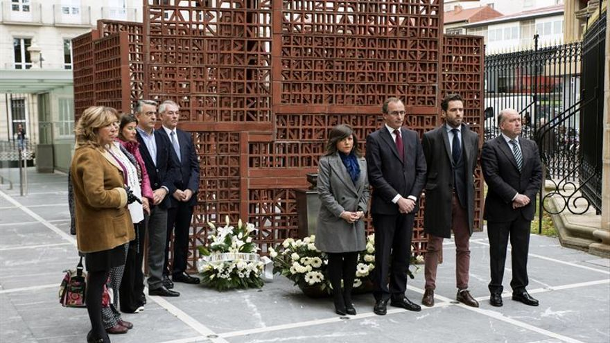 El PP vasco rinde homenaje en solitario a las víctimas del terrorismo