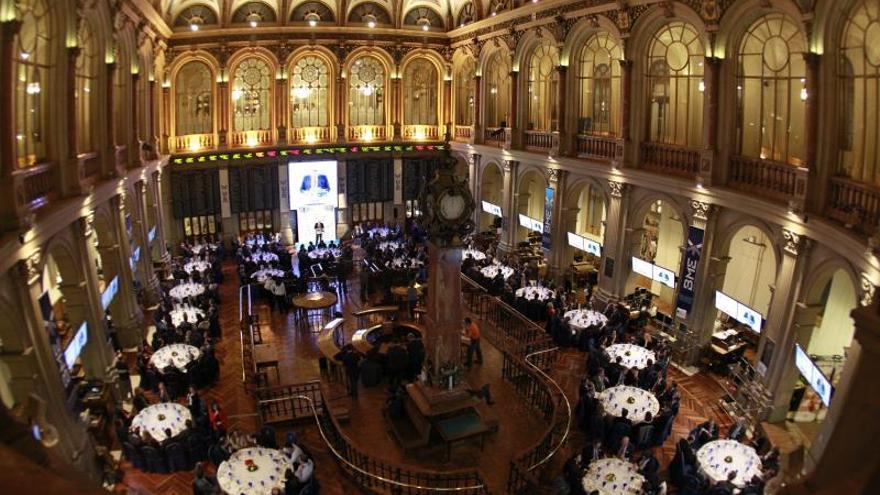 El IBEX pierde el 0,70 por ciento y los 9.800 puntos afectado por la crisis argentina