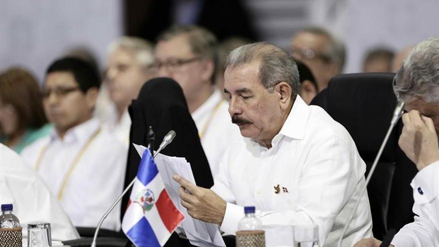 El presidente dominicano veta ley que criminaliza el aborto