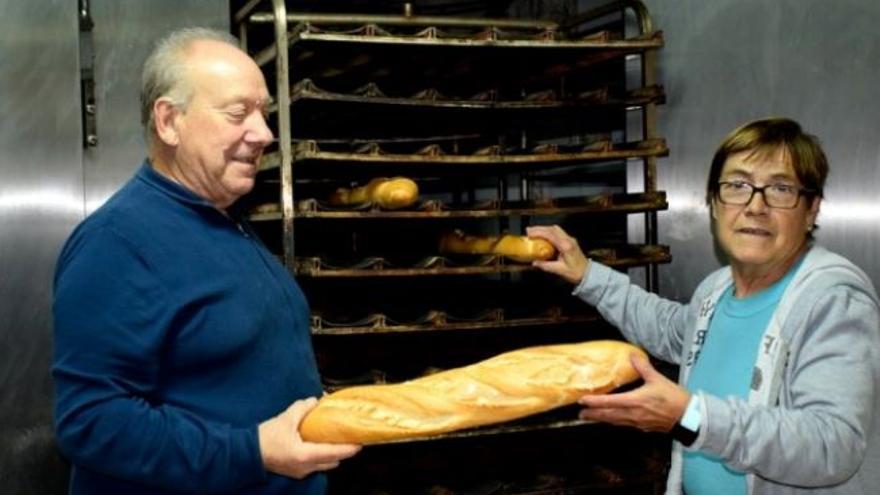 Inmaculada y Fidel traspasan un negocio que da servicio a diez municipios de Cuenca