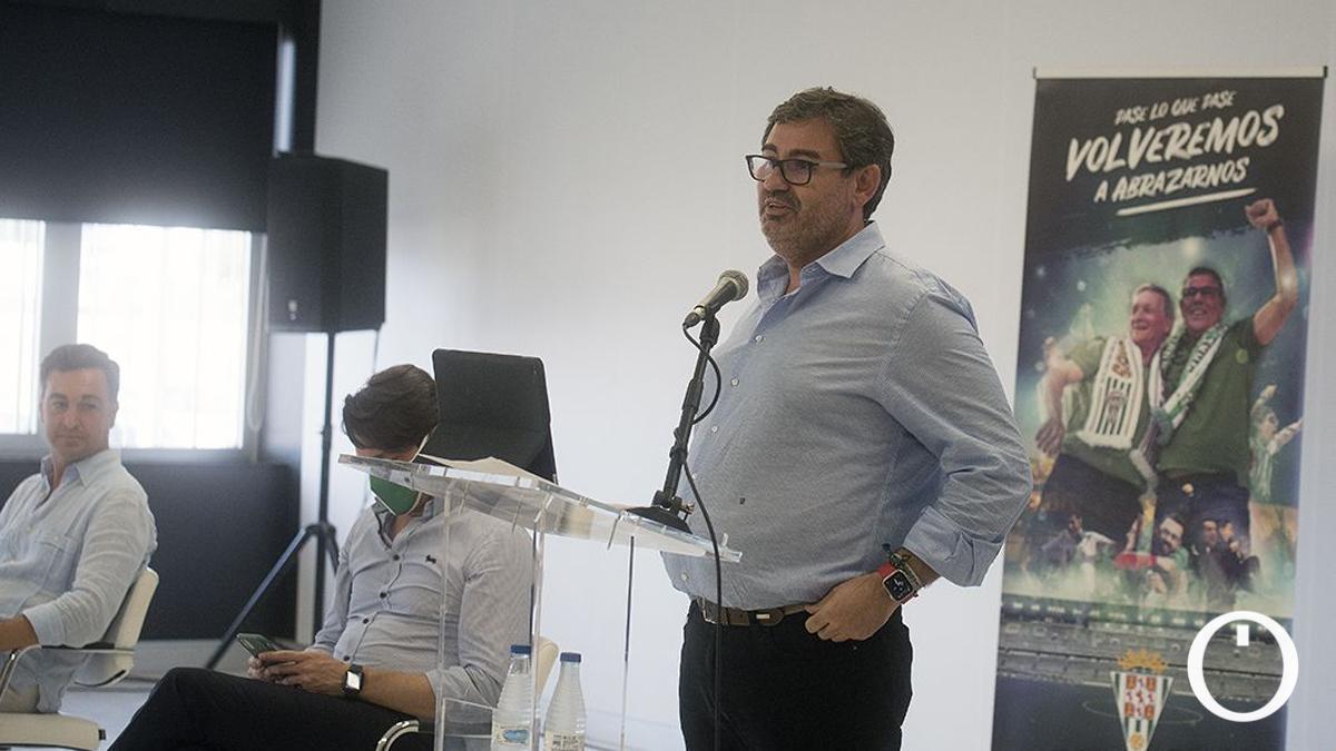 González Calvo, en la presentación de la campaña de abonos.