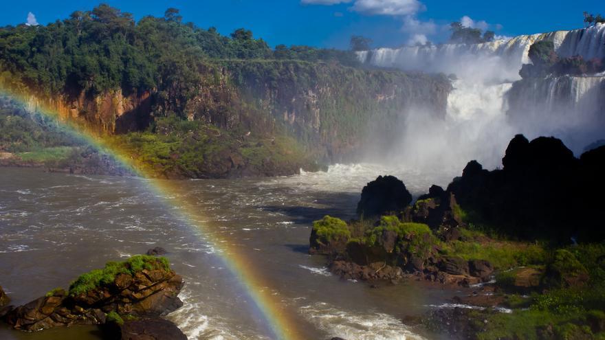 Cataratas del Iguazú; una de las siete maravillas naturales del mundo. Viajar Ahora