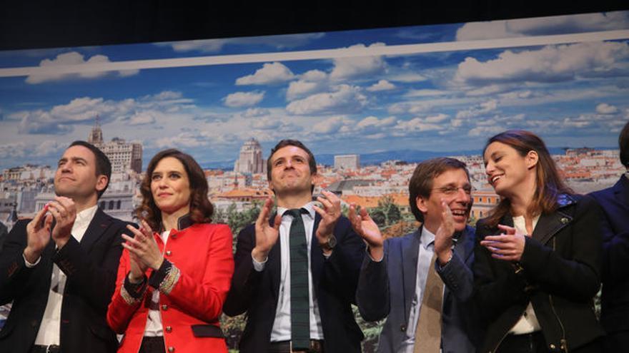 Pablo Casado con candidatos del PP Madrid