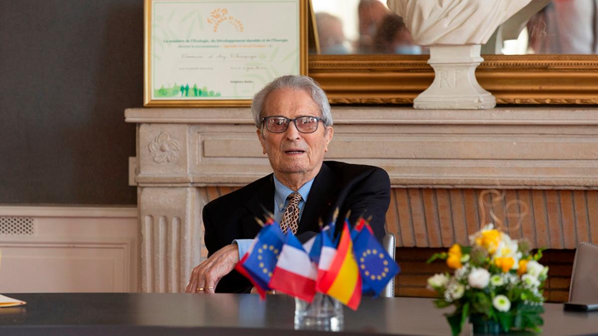 Juan Romero, en el acto de reconocimiento en Aÿ (Francia) poco antes de fallecer.