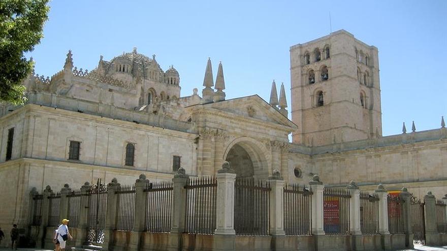 Dos detenidos en el tejado de la Catedral de Zamora con piezas ornamentales