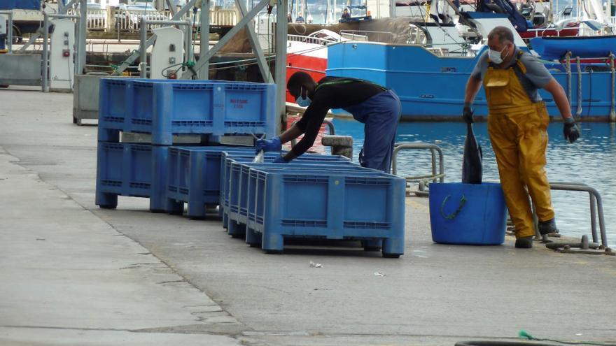 El brote de coronavirus importado de Galicia suma un nuevo marinero contagiado