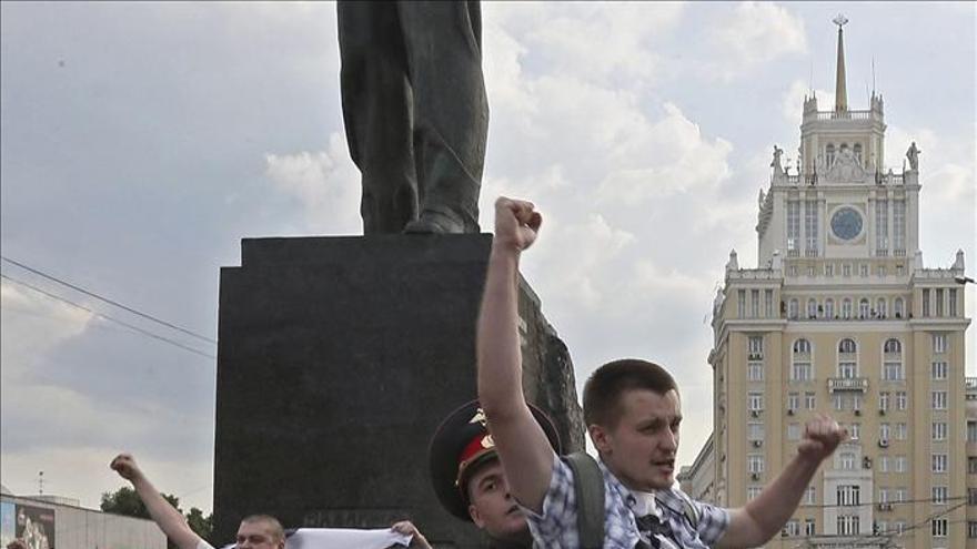 Detenidos 20 opositores rusos por protestar en favor de la libertad de reunión