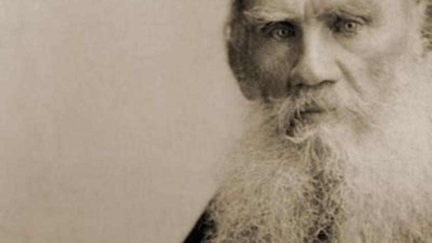El novelista ruso Lev Tolstói.