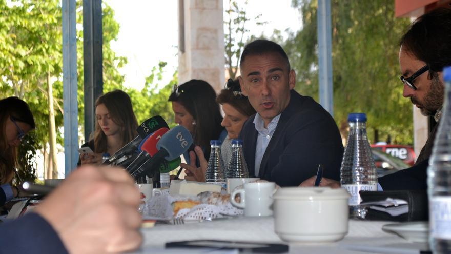 Miguel Barrachina, candidato a presidente del PP de Castellón, en un desayuno informativo.