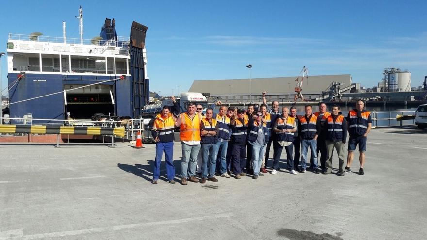 La huelga de la estiba paraliza la actividad del Puerto de Santander desde la primera hora de paros, según SCAT