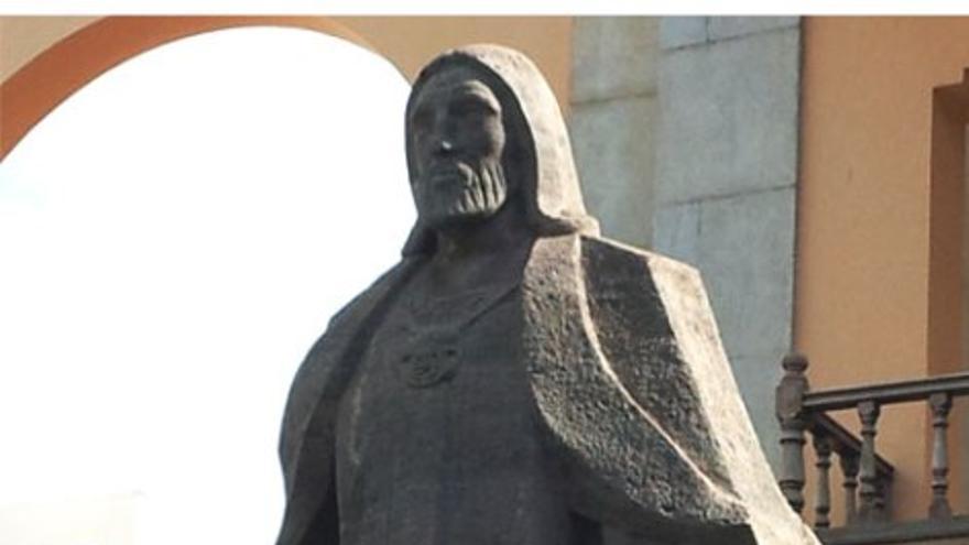 Estatua en honor a Tenesor Semidán. (CC)
