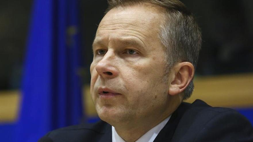 El gobernador del banco central letón, sospechoso de aceptar un soborno de 100.000 euros