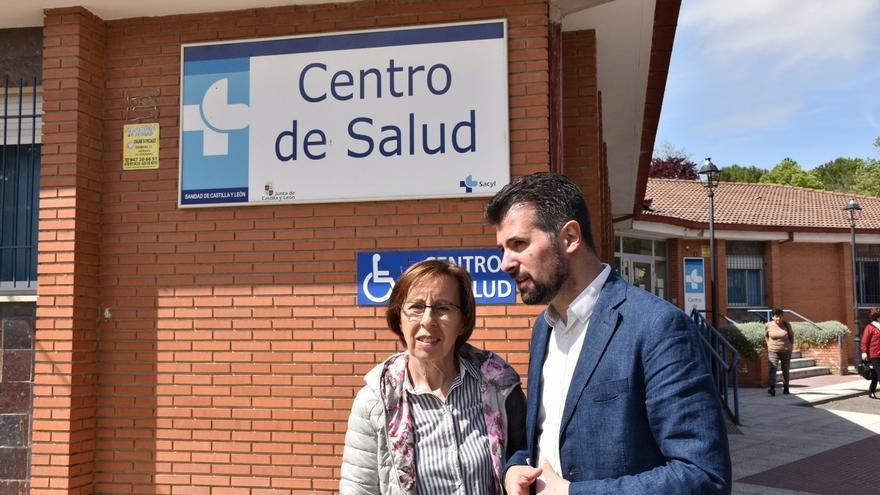 Luis Tudanca en su visita a Roa (Burgos).