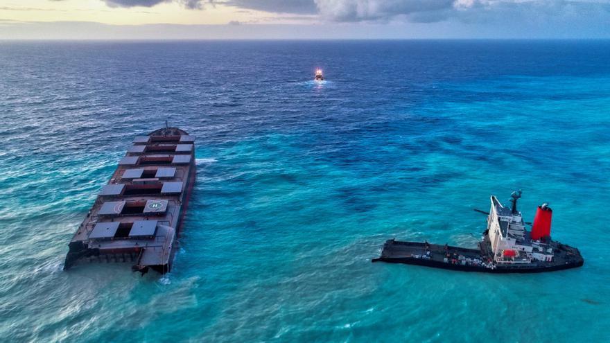Detienen como sospechoso al capitán del buque encallado en aguas de Mauricio