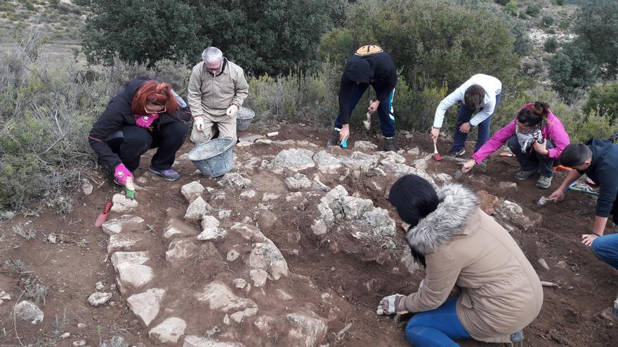 En los trabajos colaboraron voluntarios de Aguaviva