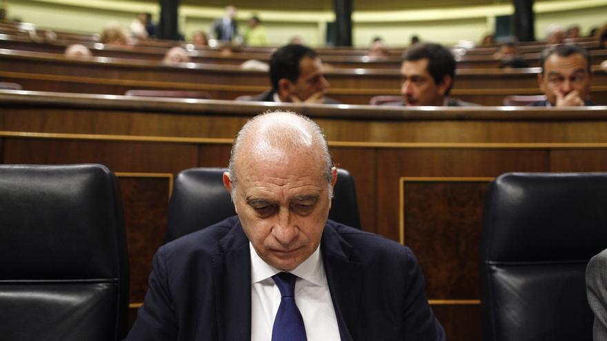 """El PSOE se vuelca en arremeter contra la """"Policía política"""" de Fernández Díaz y lo equipara con la dictadura"""