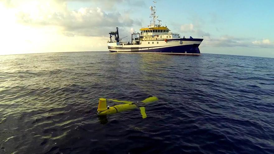 Un robot submarino de la ULPGC rastrea aguas donde se hundió el Oleg Naydenov