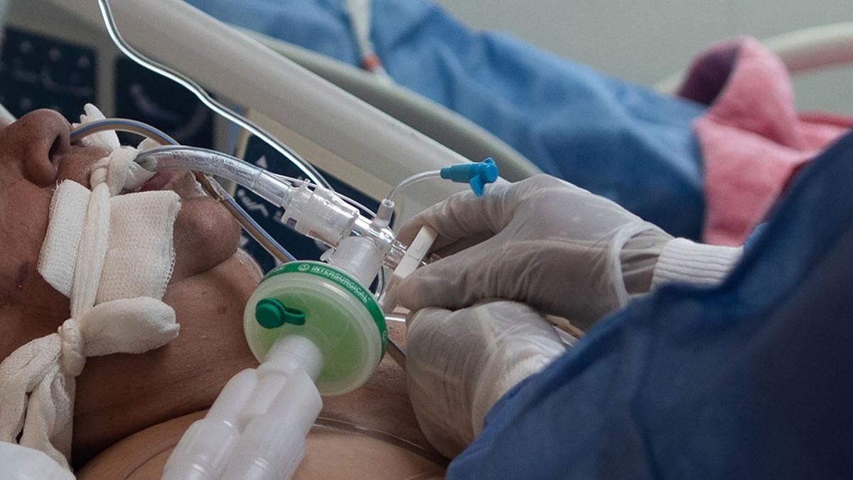 Días tras día aumenta la cifra de internados en terapia intensiva