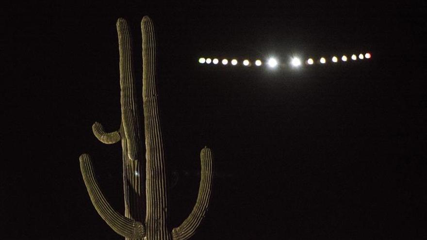 """El avión solar """"Impulse"""" completa otra etapa en EE.UU. entre Arizona y Oklahoma"""
