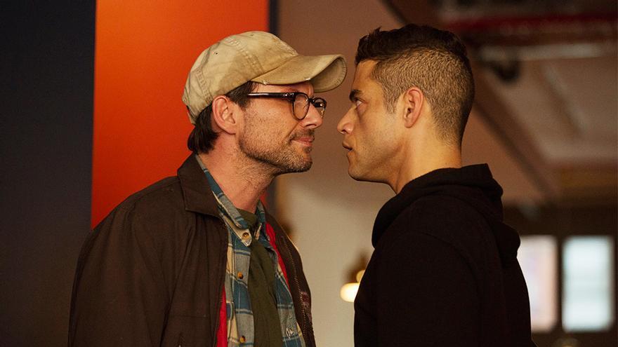 Christian Slater y Rami Malek, en un capítulo de Mr. Robot