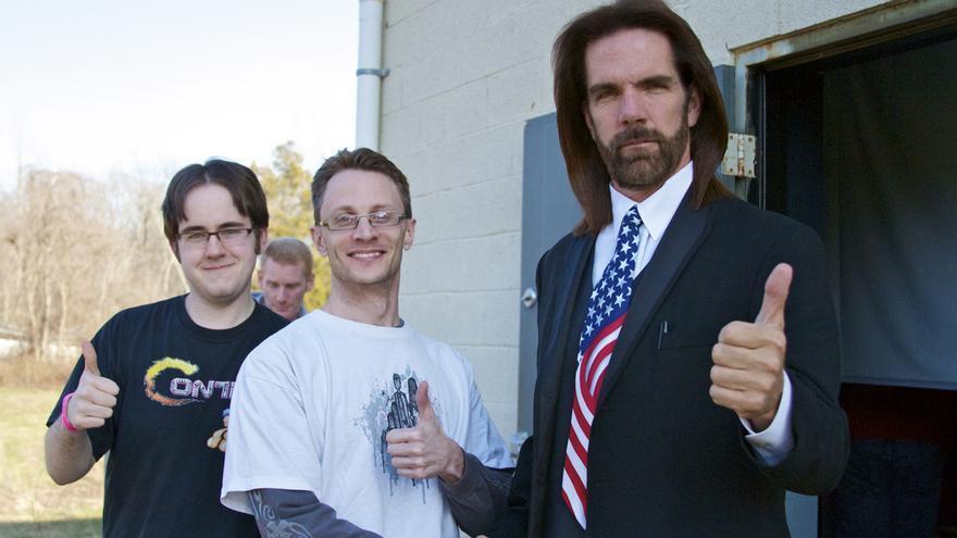 Billy Mitchell (derecha), junto a dos fans (Imagen: Flickr | Florence Ivy)