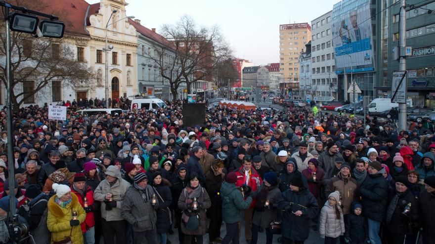 Una manifestación en protesta por el asesinato de Kuciak y Kušnírová en Bratislava el 28 de febrero.