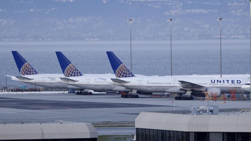 United compra 270 aviones Boeing y Airbus en el mayor pedido de su historia