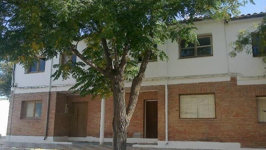 La Junta acondicionará viviendas para alojar a cuatro familias de Villatorres