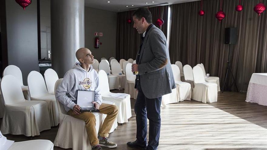 Pablo Ráez pide llevar a las aulas la concienciación sobre donaciones de médula