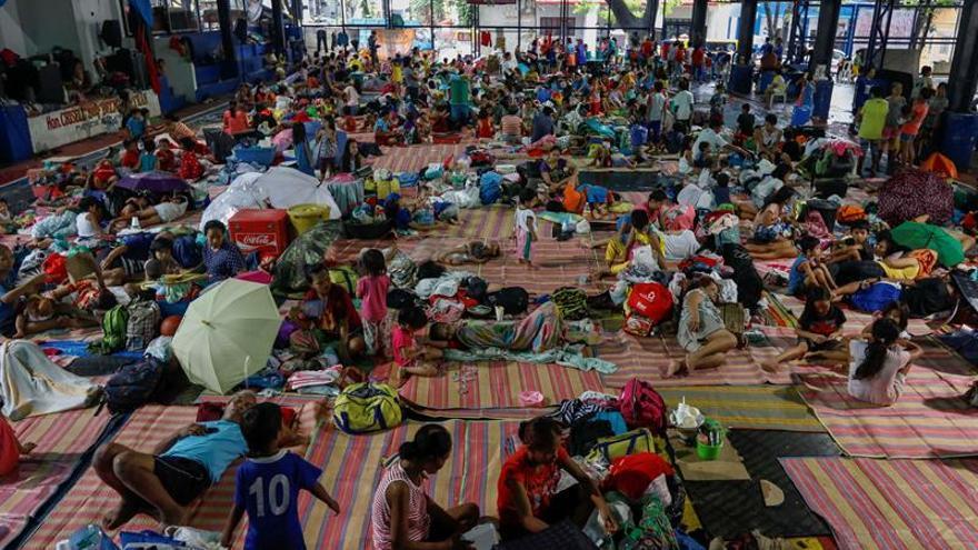 Al menos 340.124 desplazados por las inundaciones en Filipinas