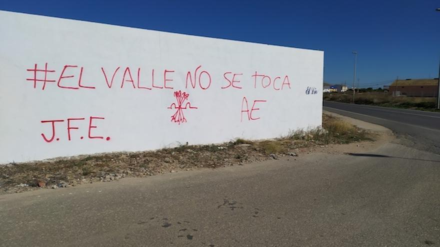Pintada a la entrada en Torre Pacheco