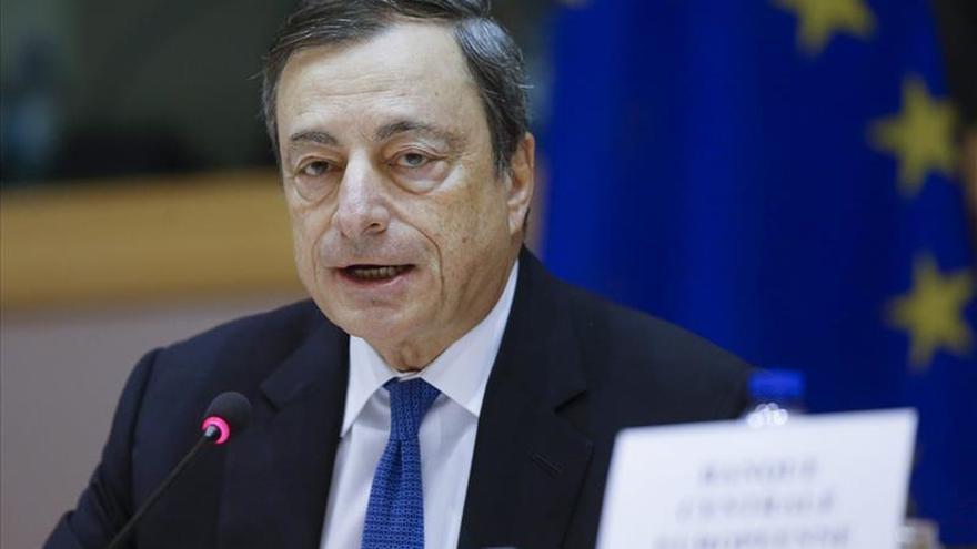 Draghi: la UE debe completar la unión monetaria para consolidar la confianza