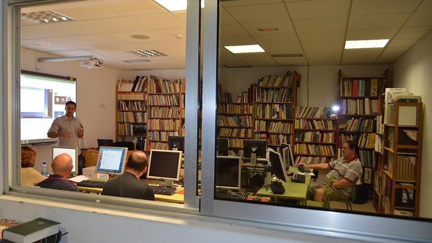 Aula de informática del Centro Cívico Suárez Naranjo