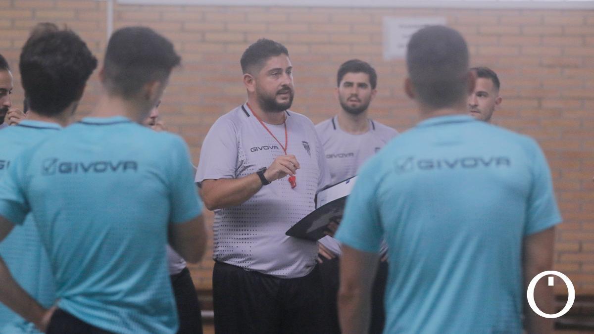 Josan González en un entrenamiento del Córdoba Patrimonio