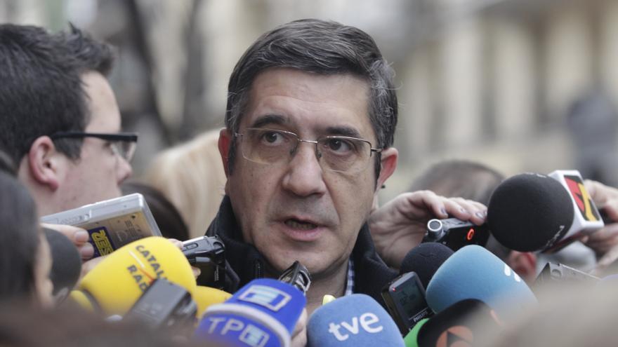 """López dice que no cabe """"insumisión"""" a decisiones del PSOE en cuestiones como la consulta sin arriesgarse a ser apartado"""
