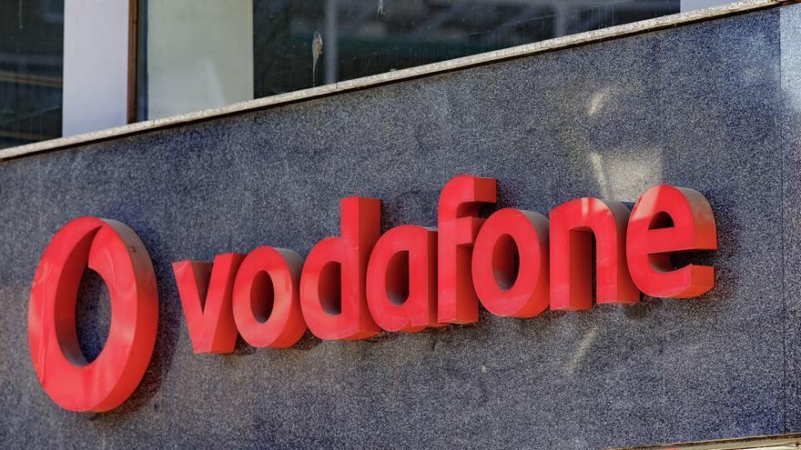 Vodafone reduce en 75 los afectados por el ERE, mejora la indemnización y acepta un 25% de voluntariedad
