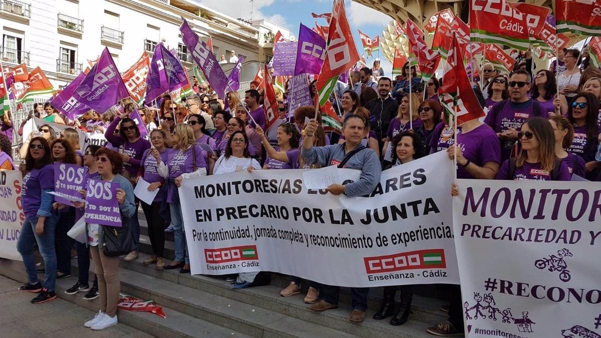 Imagen de una concentración para reivindicar la situación laboral del colectivo