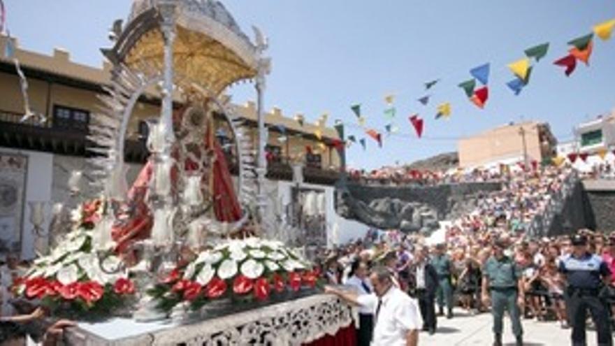 Imagen de la procesión de Nuestra Señora de Candelaria, a la que asistió Rivero.