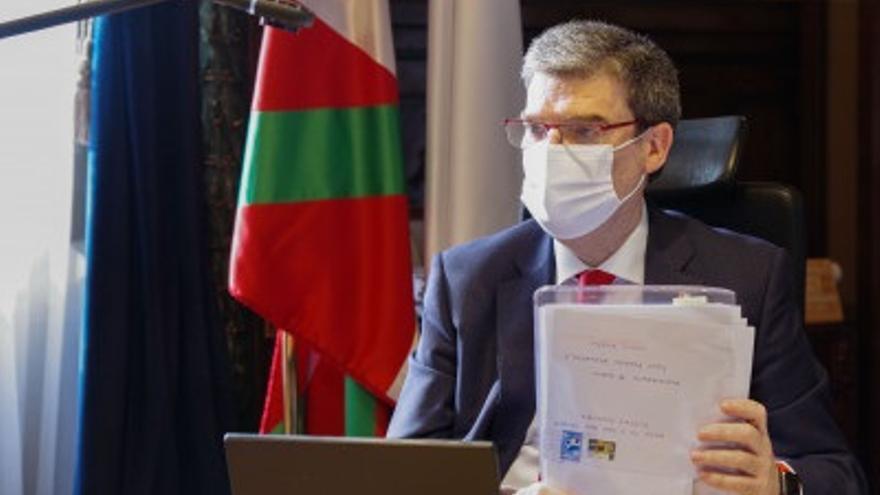 Imagen del alcalde de Bilbao, Juan Mari Aburto.