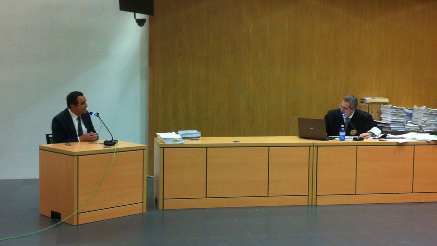 Francisco Valido, alcalde de Telde (2003-2007), responde como testigo al fiscal Luis del Río, en el juicio del caso Grupo Europa