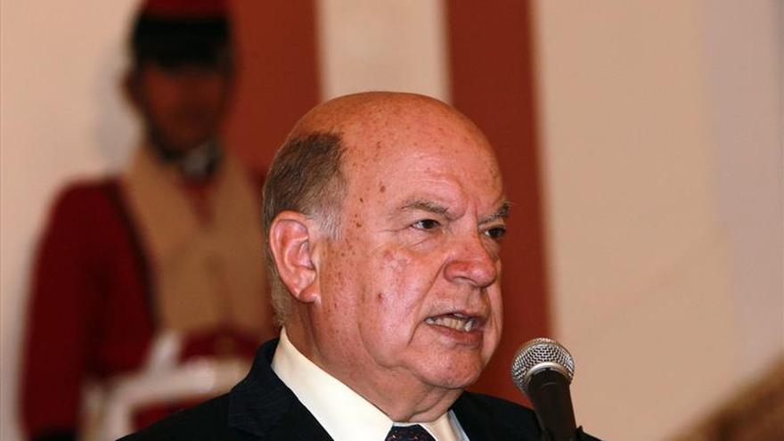 Insulza pide reconocimiento por Cuba y dice que fue coherente con Venezuela