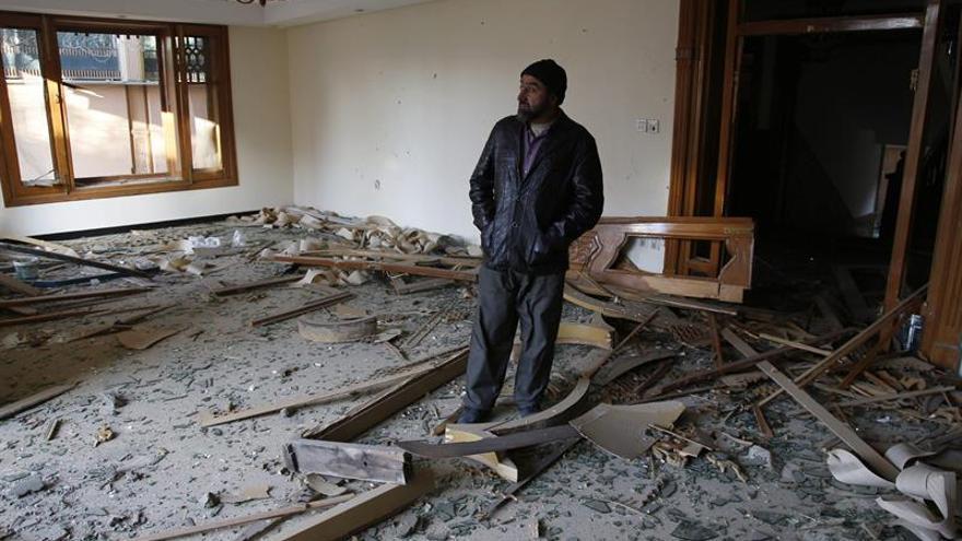 La Fiscalía pide investigar como terrorismo el atentado en la embajada en Kabul