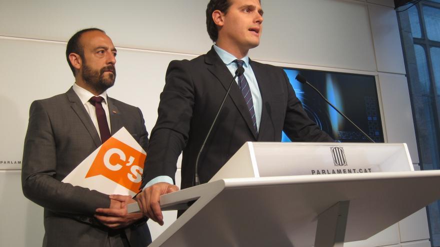 """Rivera (C's) llama al PSC y a """"moderados"""" de CiU a marcar distancias con la estrategia de Artur Mas"""