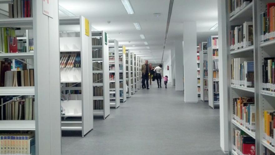 Interior de la biblioteca Vargas Llosa   SOMOS MALASAÑA